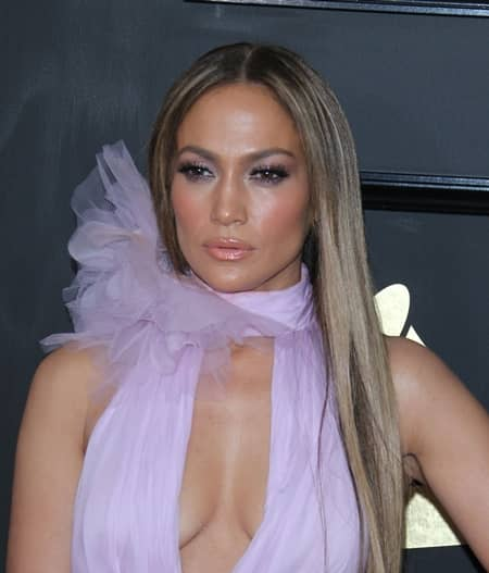 ジェニファー・ロペス  Jennifer Lopez グラミー賞 レッドカーペット 第59回 2017年 メイク 春色 アイメイク アイシャドウ ピンク