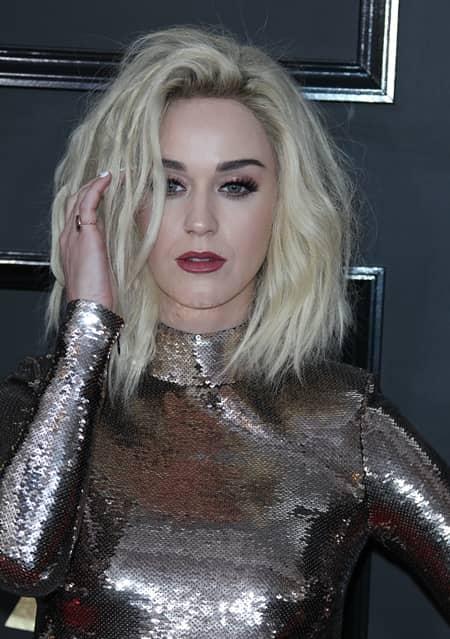 ケイティ・ペリー Katy Perry グラミー賞 レッドカーペット 第59回 2017年 メイク 春色