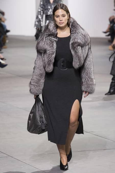 アシュリー・グラハム Ashley Graham マイケル・コース Michael Kors ファッションショー プラスサイズモデル 初起用 ウォーキング ぽっちゃりモデル NY ファッションウィーク