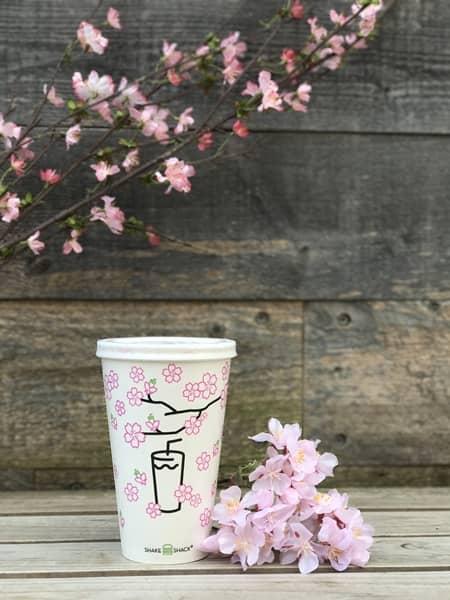 シェイクシャック Shake Shack 新作 春限定 シャクラシェイク Shack-ura Shake 日本限定 桜風味 アイス シェイク 1ヵ月限定 人気 美味しい