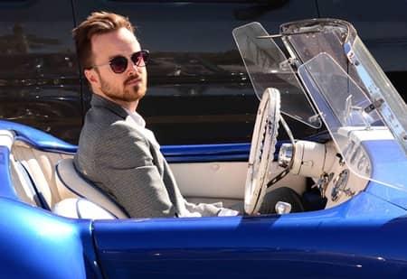 アーロン・ポール Aaron Paul ドラマ『ブレイキング・バッド』ジェシー・ピンクマン役 シェルビー・コブラのオープンカー