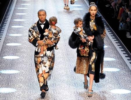 ドルチェ&ガッバーナ Dolce&Gabbana  ミラノファッションウィーク コレクション 多様性 人種 職業 バラバラ 家族 姉妹 モデル以外