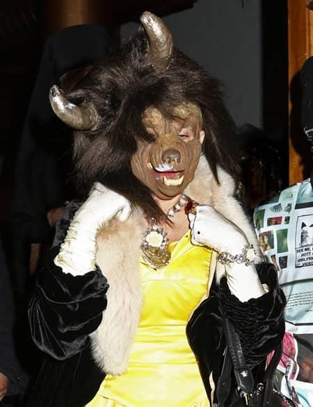 マドンナ 2017年プーリーム 美女と野獣の仮装