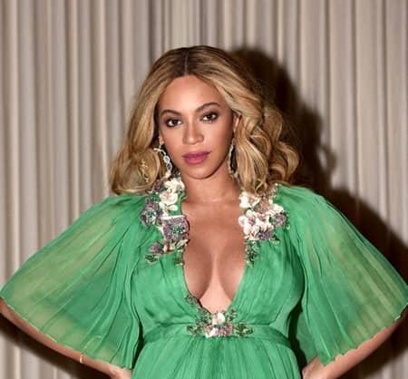 ビヨンセ Beyonce 双子 妊娠 性別 男の子 ウワサ ピアス If Were A Boy ファン ヒント メッセージ