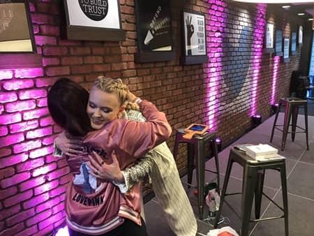 ザラ・ラーソン Zara Larsson アルバム『ソー・グッド』発売記念ロンドンファンイベント