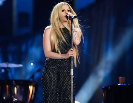 アヴリル・ラヴィーン Avril Lagvigne ニューアルバム New Album Release