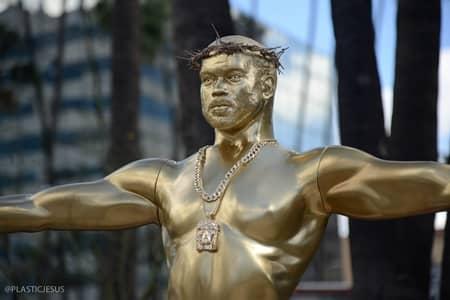 カニエ・ウェスト プラスチック・ジーザス 偽りのアイドル ハリウッド ロサンゼルス Kanye West False Idol Prastic Jesus Statue Hollywood LA