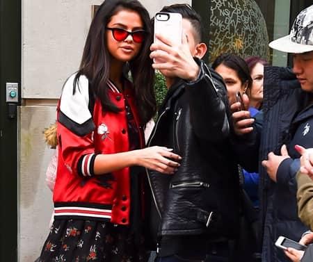 セレーナ・ゴメス ファン 写真 セルフィー Selena Gomez Fan Selfie