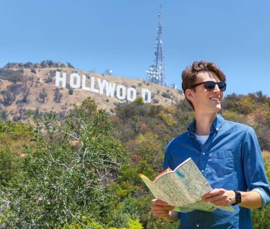 ハリウッド サイン ロサンゼルス 男性