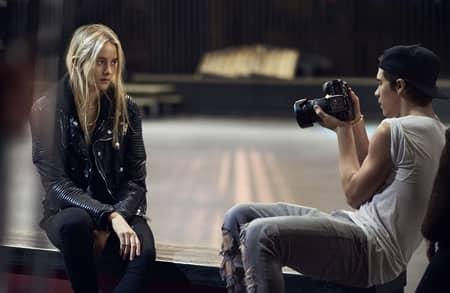 ブルックリン・ベッカム Brooklyn Beckham カメラ発明記念日 3月19日 バーバリー フォトグラファー カメラマン モデル 撮影