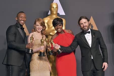 ケイシー・アフレック Casey Affleck 第89回アカデミー賞 オスカー 主演男優賞 受賞 性的暴力 2人に訴えられる 示談 ゴールデン・グローブ賞