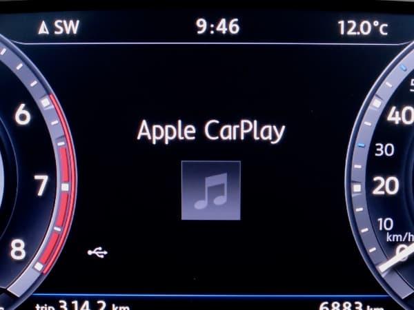 170405-CarPlay-2.jpg