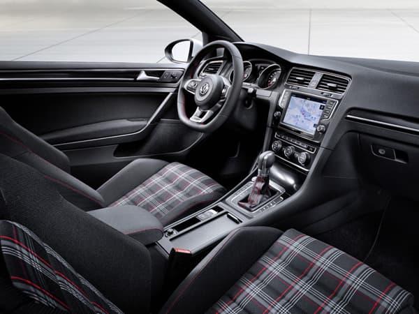 120928-Golf GTI-04.jpg