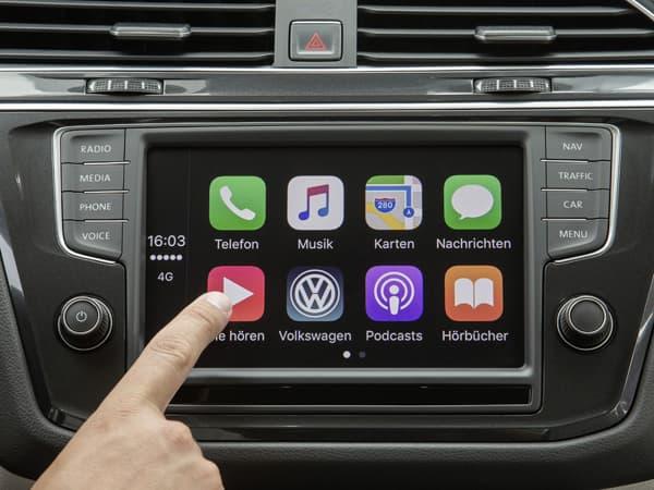 180308-CarPlay.jpg